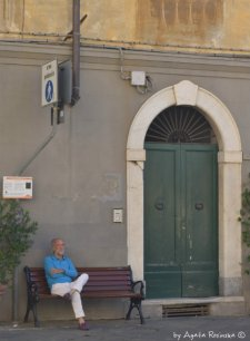 inhabitant of Sarzana