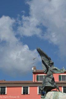 monument in Piazza Matteotti Sarzana