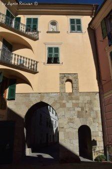town medieval gate