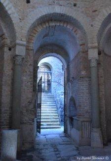 battisterium entrance