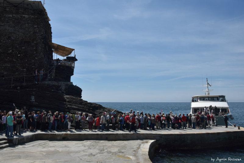 queue ferry