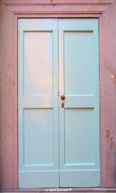 doors in Tellaro