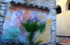 palms and paintings Apricale