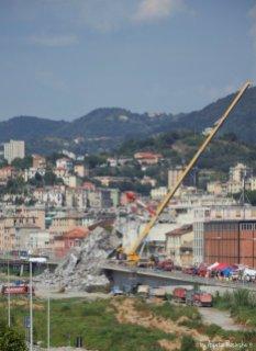 rests of Ponte Morandi