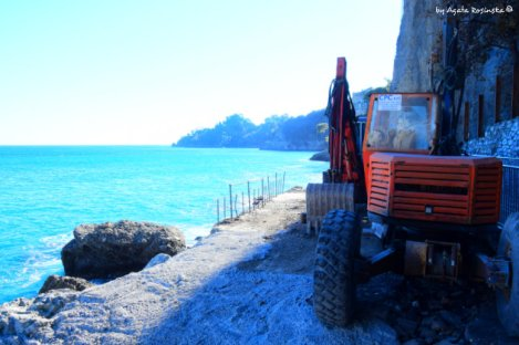 bases of the new road to Portofino