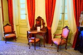 queens room details