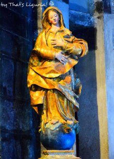 sculpture of Saint Margharet