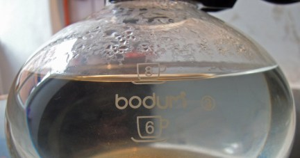 Pebo pot showing 8 cups of water