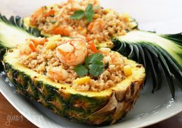 pineapple-shrimp-fried-rice