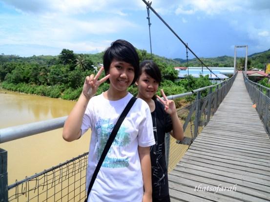 Kids on the Tamparuli Suspension Bridge