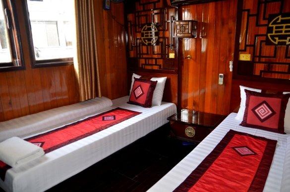 Cabin in Aloha Cruise, Ha Long Bay