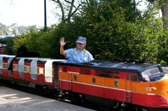 Zoo-train1
