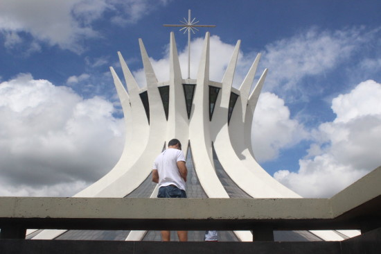 brasilia_cathedral_tunnel