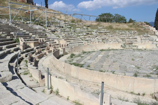 zeus-athens-temple-that-wanderlust-travel-nomads-diving-dionysus-theater