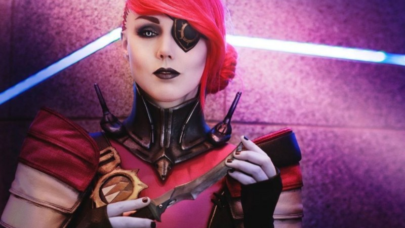 This Destiny 2 Cosplayer Looks Incredible With Her Petra Venj Cosplay 6