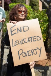 antipovertytues_protester2