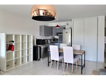 Location d Appartements      Marseille 8eme  13    Appartement      Louer location Appartement 3 pi    ces 64 72 m2 Marseille 8    me