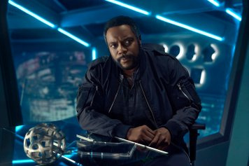 THE EXPANSE -- Season:2 -- Pictured: Chad Coleman as Fred Johnson -- (Photo by: Kurt Iswarienko/Syfy)