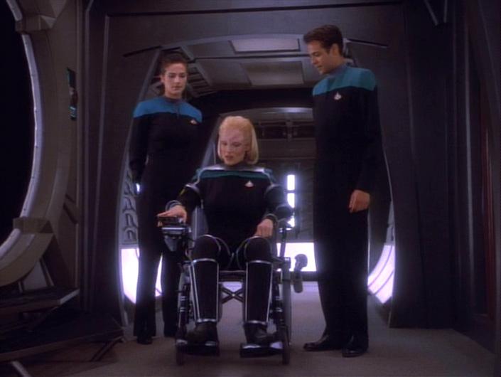 Melora_Pazlar_tests_her_wheelchair