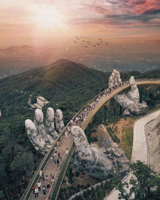 Vietnam's Golden Bridge.jpg