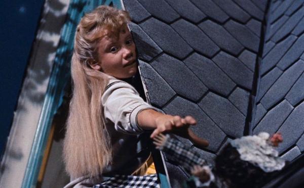 pollyanna-1960-hayley-mills-falls-doll