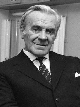 Actor John Le Mesurier who plays Sergeant Wilson in the BBC television series Dads Army, smoking a cigarette before filming January 1973 (Newscom TagID: mrpphotos263832) [Photo via Newscom]