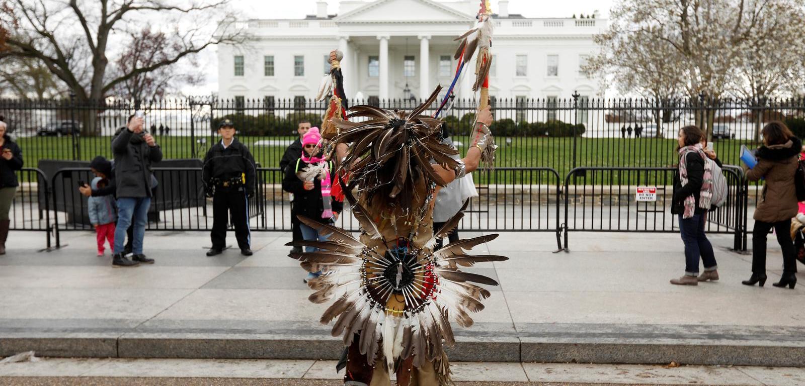 https://www.reuters.com/article/us-north-dakota-pipeline-protests-idUSKBN16H2NB