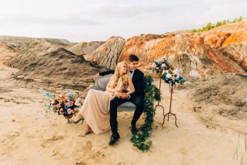 Свадьба на Марсе: стилизованная фотосессия Нади и Сергея