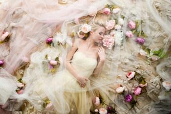 27 незабываемых образов невест с фатой