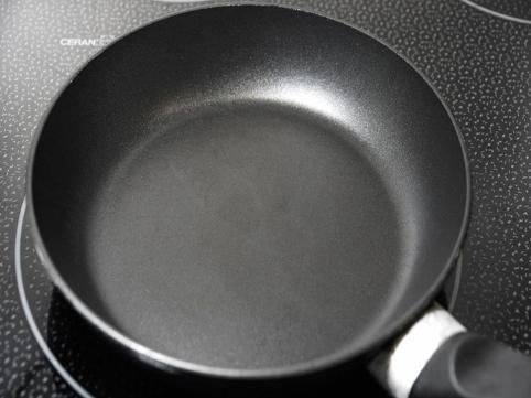 Ceramic Vs. Teflon Cookware