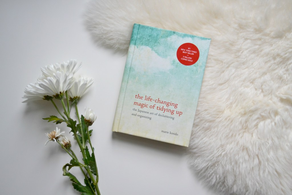 The Life-Changing Magic of Tidying Up [Marie Kondo Book Review] | The Curious Button