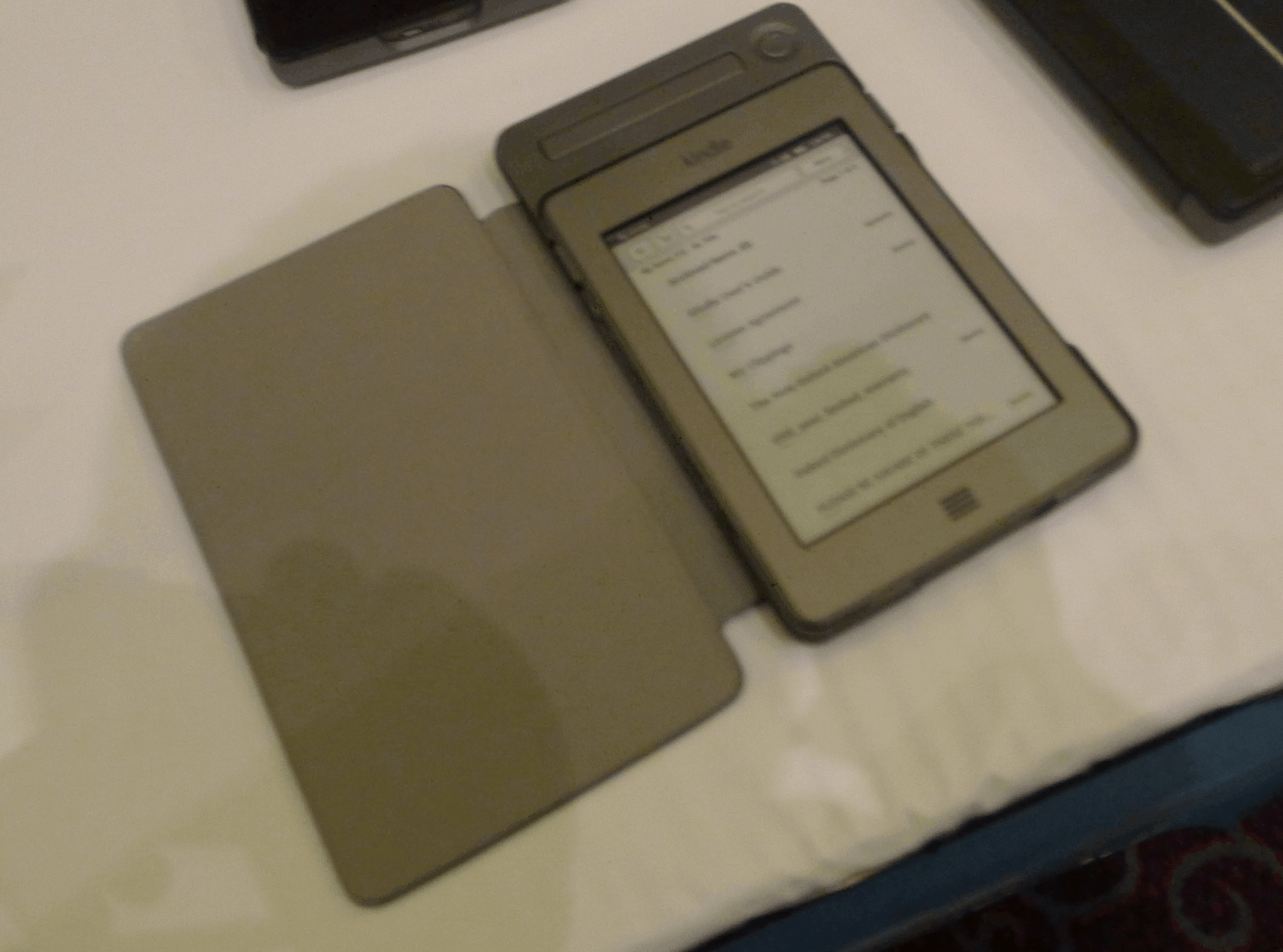 Kindle Touch to Get Solar Powered Case in March | The