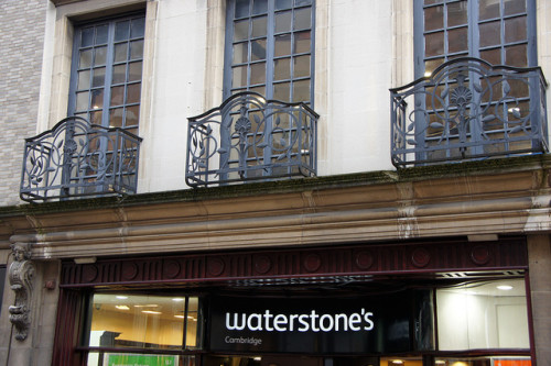 Is Waterstones Getting Ready to Walk Away From Amazon? Bookstore e-Reading Hardware eBookstore