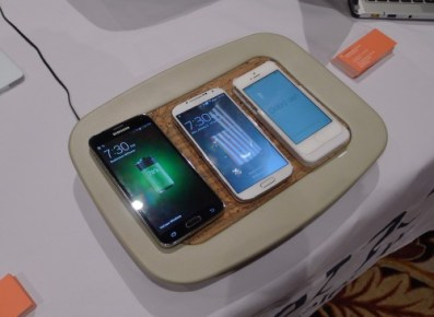 This Gadget Could One Day Charge Your Mobile Device from 15 Feet Away Conferences & Trade shows e-Reading Hardware