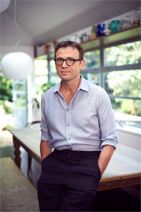 "David Nicholls Sees Showrooming as ""Gentile Shoplifting"", Wants Kids to Get Off his Lawn Bookstore DeBunking Editorials"