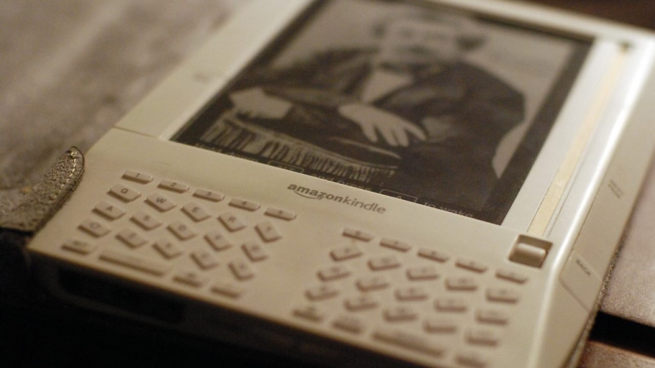 Amazon Now Demanding That You Update Your Very Old Kindle