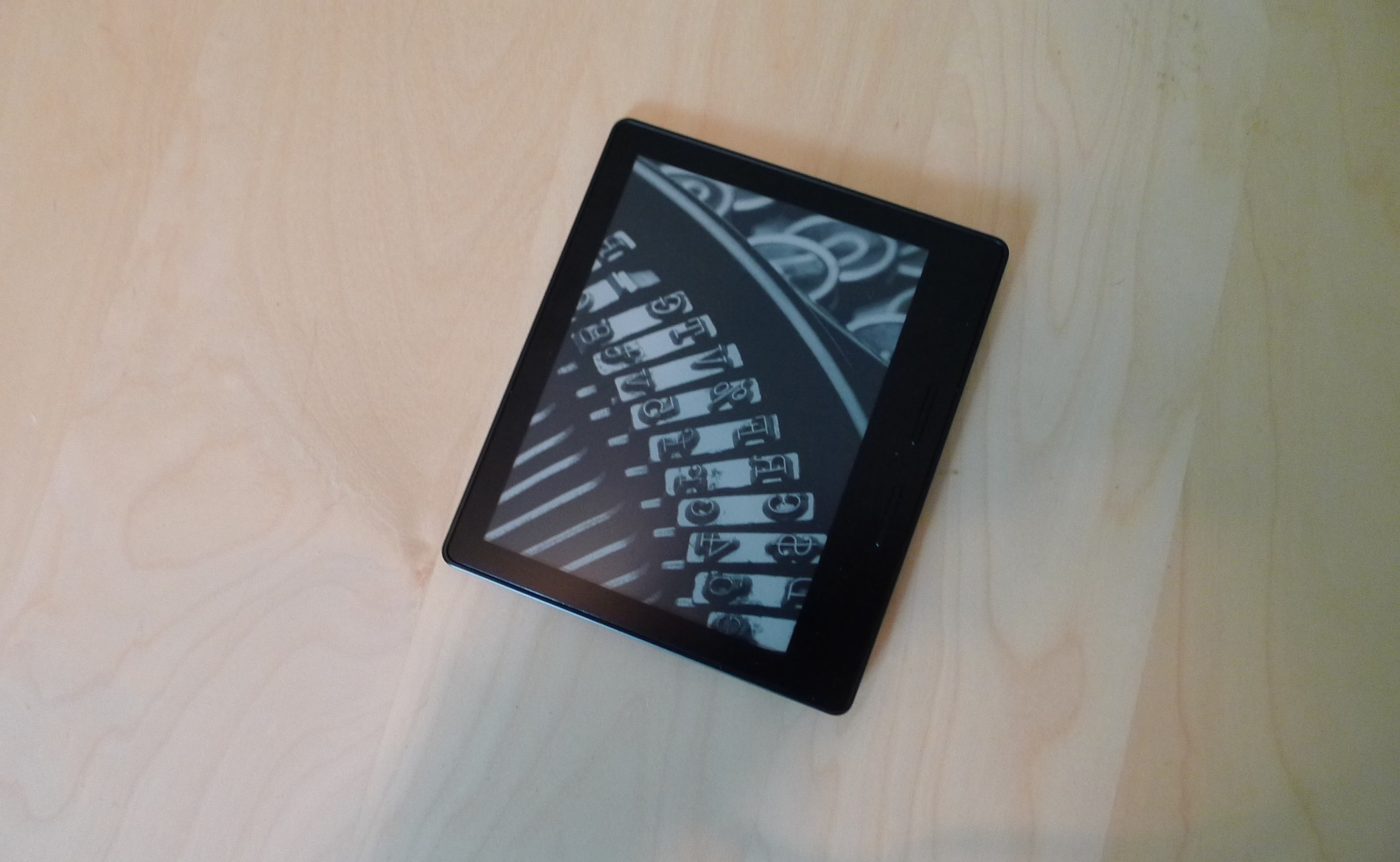 Kindle Oasis: Half a Kindle Paperwhite, at Three Times the Price