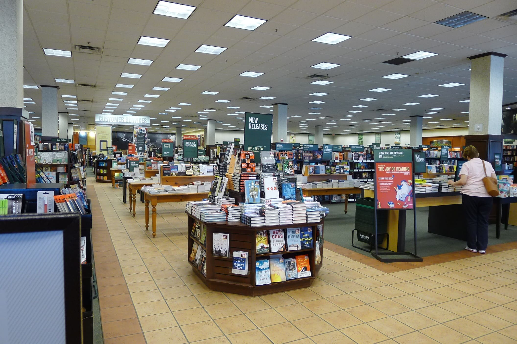 Barnes And.Noble Christmas Eve 2021 Medfird Oregon Barnes Noble Is Removing Nook Kiosks From Stores The Digital Reader