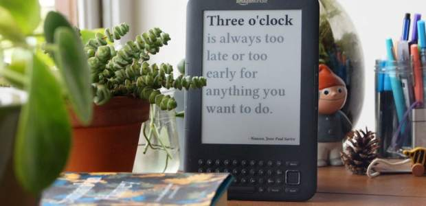 Making a Literary Clock from a Hacked Kindle (Video) Kindle