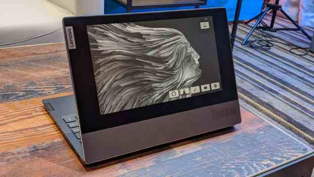 Updates From CES 2020 (#1): Lenovo's E-ink Laptop, Hisense's Color E-ink Smartphone, and More e-Reading Hardware