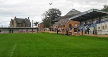 Der Ground des Hallam F.C. an der Sandygate Road in Sheffield