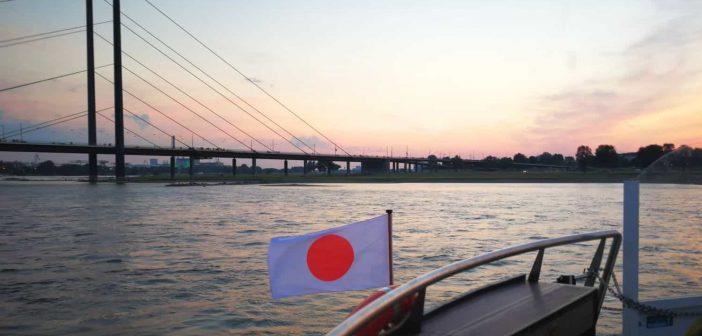 Japanischer Sonnenuntergang über dem Rhein bei Düsseldorf (Foto: TD)