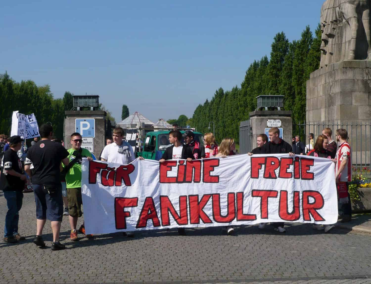 Fortuna-Fan-Demo 2009