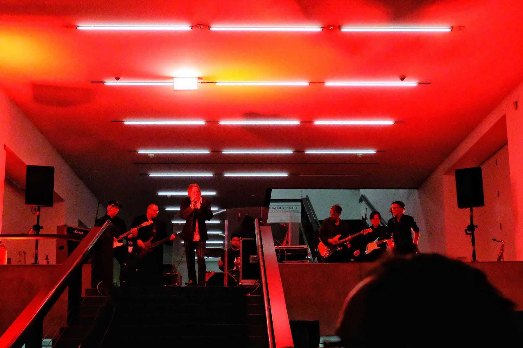 Geschichte wird gemacht: Family*5 im Treppenhaus der Kunsthalle