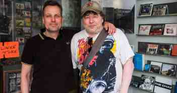 Jürgen Krause (rechts) mit Hitsville-Nachfolger Ralf Brendgen (Foto: (c) Markus Luigs)