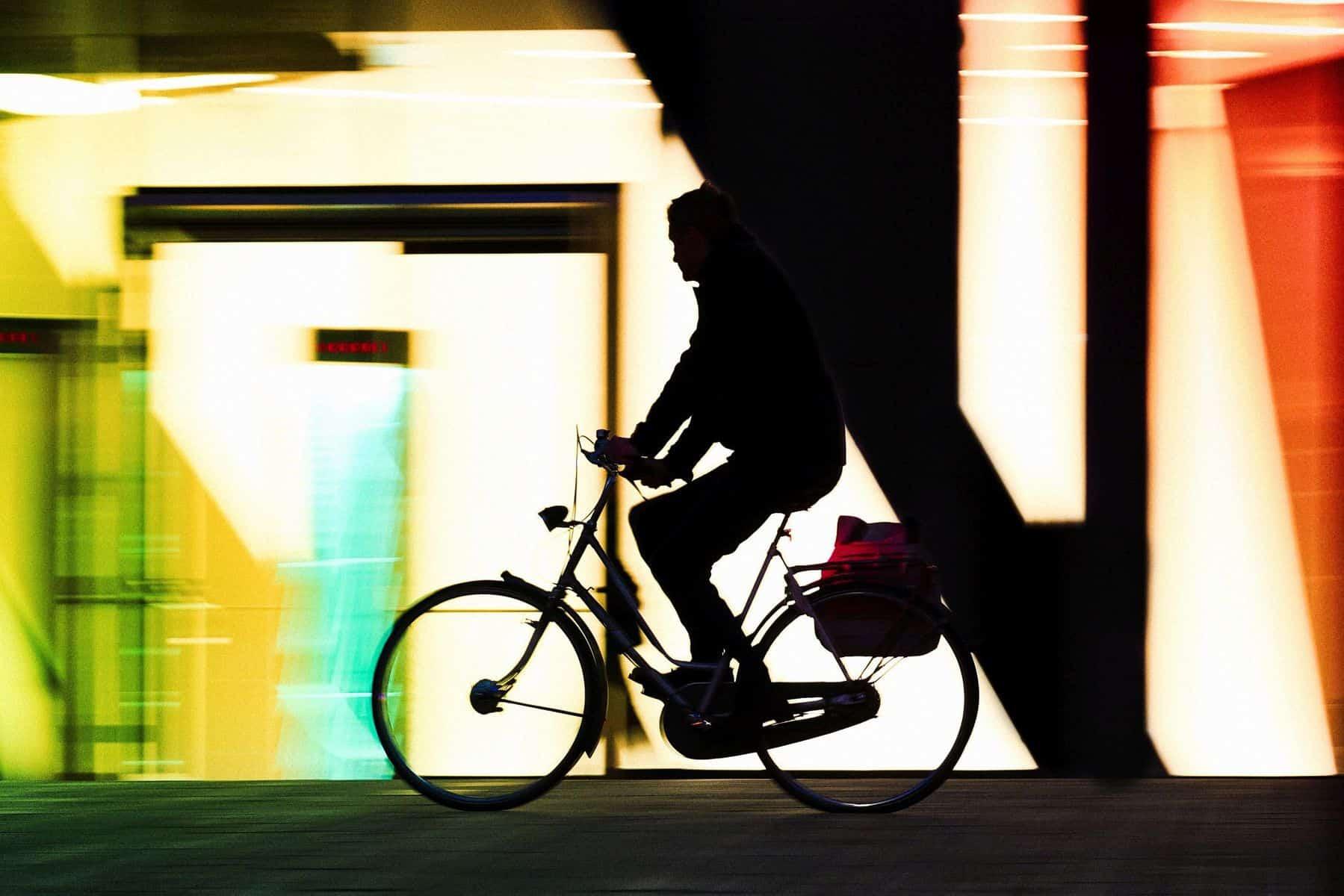 BdW32: Radfahrer vor Geometrie