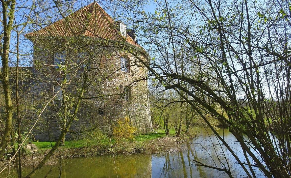 """Die Burg in Angermund - man nennt sie auch """"Kellnerei"""" (Foto: Gisela Wiemer)"""