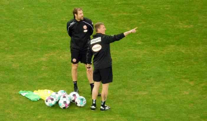 F95 vs SCP: Co-Trainer in kurzen Hosen (Foto: TD)