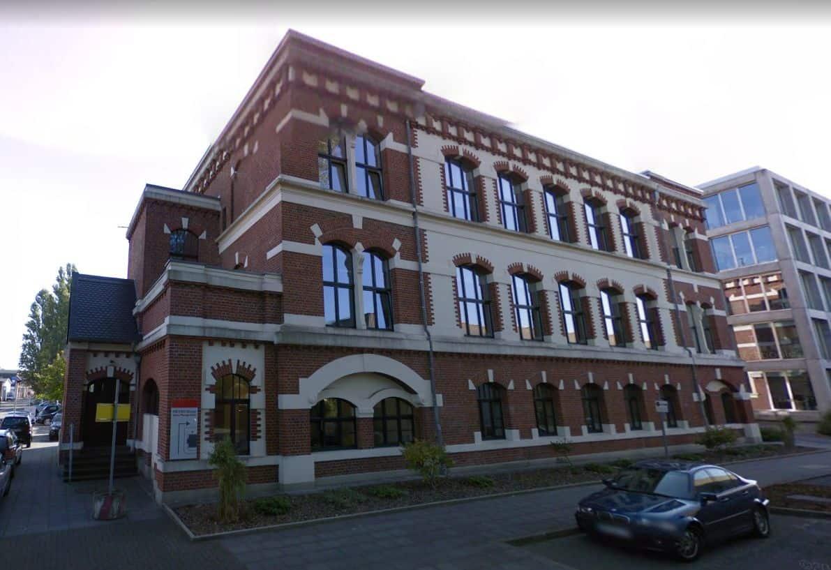 """Reste des Hohenzollernwerks im künstlichen Stadtteil """"Grafental"""" (Screenshot: Google Streetview)"""