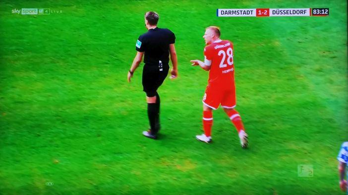 SVD vs F95: Rouwen diskutiert mit Herrn Reichel (Screenshot Sky)